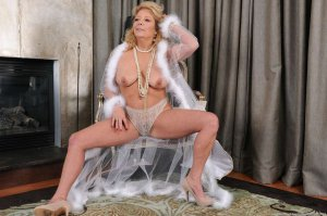 Meilyn escort girl clito Saint-Gaudens